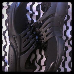Women Nike Air Presto Size 9.5/10 (Euro size 40)